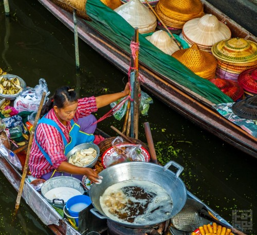 floating food stalls